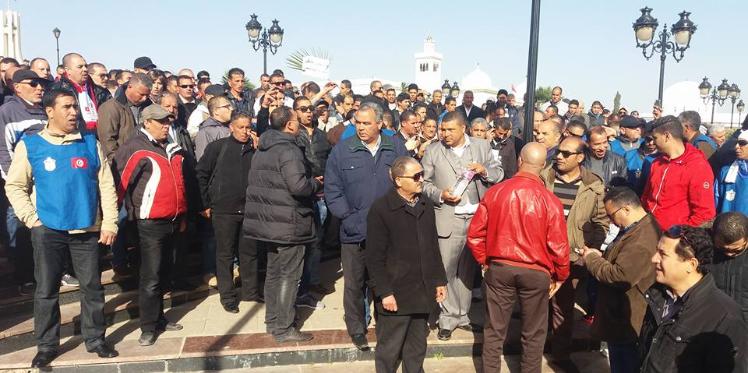 رئاسة الحكومة تشرع في التتبعات القضائية ضد بعض النقابيين  الامنيين