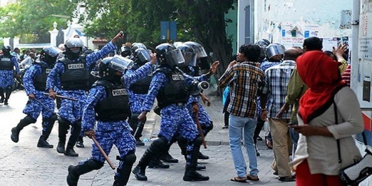 رئيس المالديف يطلب الدعم من  السعودية ودول صديقة
