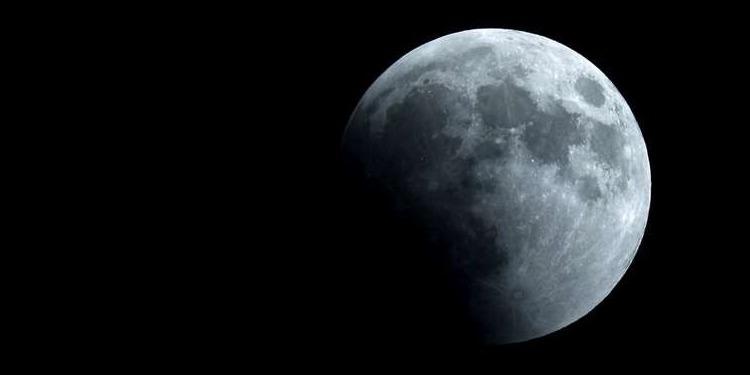 La NASA: La découverte d'eau sur la Lune ouvre de nouvelles perspectives