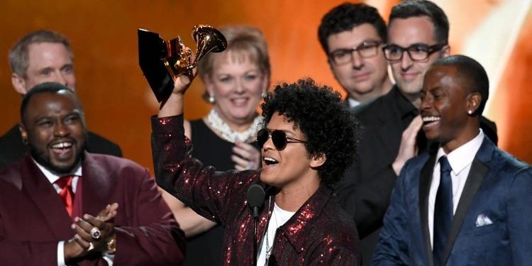 Grammy Awards: Bruno Mars, le ''full winner''