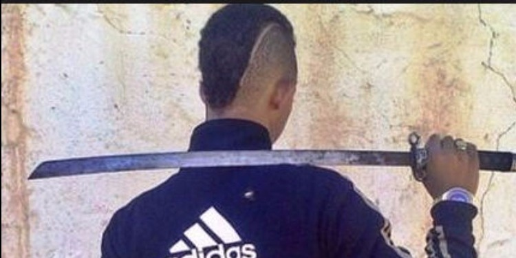 سوسة : القبض على مفتش عنه أثناء تهديد شاب بسيف حاد