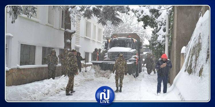الثلوج تغطي الجزائر: ضحايا...مرضى مهدّدون وولايات محاصرة!