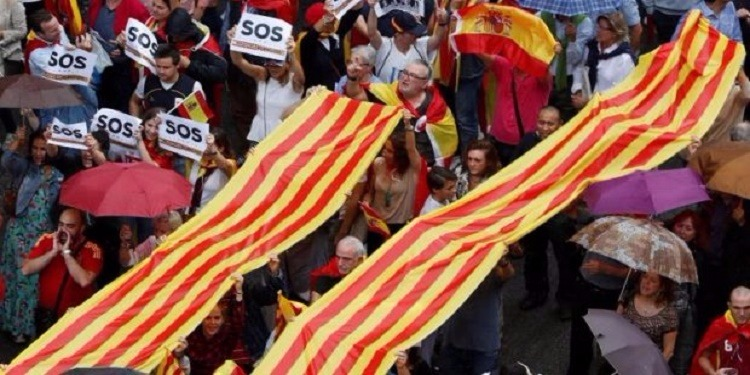 إسبانيا: برشلونة ونوادي كتالونيا يعلنون المشاركه في الإضراب العام