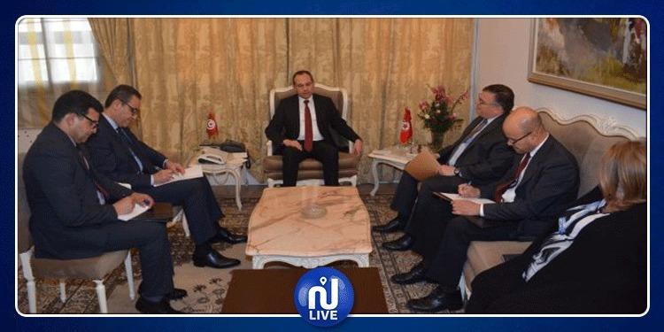 وزير الداخلية يلتقي السفير الأمريكي