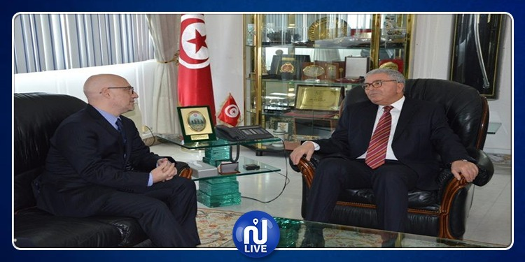 وزير الدفاع يتحادث مع سفير إيطاليا بتونس