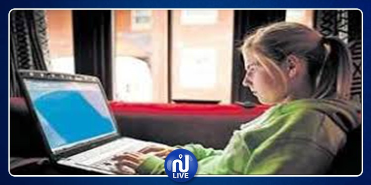 تحذير: وسائل التواصل الاجتماعي تصيب المراهقات بمرض خطير