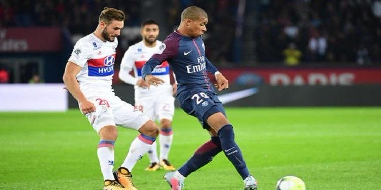 هزيمة غير متوقعة لباريس سان جرمان أمام ليون في البطولة الفرنسية