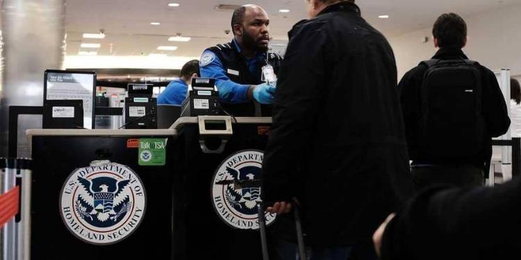 أمريكا ترفع حظر السفر عن دولة بجوار ليبيا
