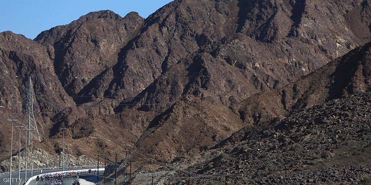 الامارات: إنشاء أول جبل صناعي في العالم
