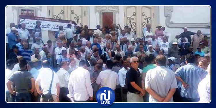 وقفة احتجاجية للمتقاعدين أمام المسرح البلدي بالعاصمة