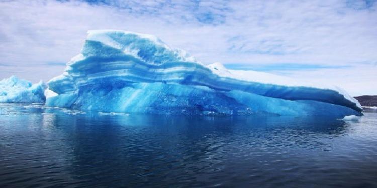 مشروع سحب جبلين جليديين من القطب إلى سواحل الإمارات.. هل ينقذ العالم من الغرق؟