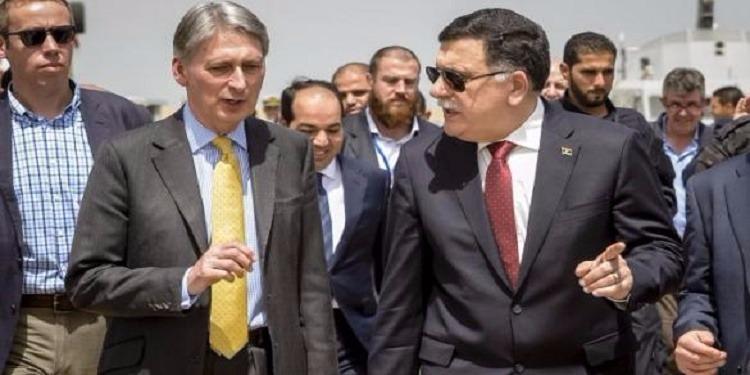 """ليبيا: ضغوط بريطانية على """"الوفاق"""" لنشر قوة بحرية وفرق بحرية بريطانية تصل جنوب المتوسط لصد شبكات المهربين"""