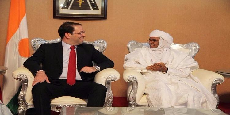 رئيس الحكومة يحل عشية اليوم بنيامي أولى محطات جولته الإفريقية (صور)
