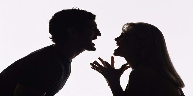 بسبب إرتكابه ''جريمة كبرى''.. امرأة تطلب الطلاق من زوجها!
