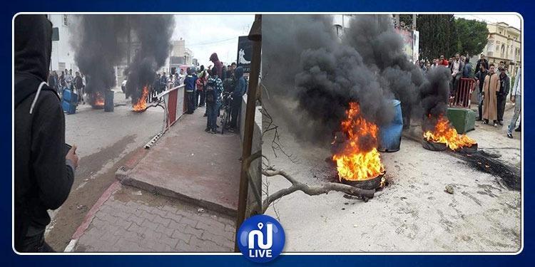الترفيع في أسعار المحروقات: تطور الاحتجاجات في مدخل مدينة جمال