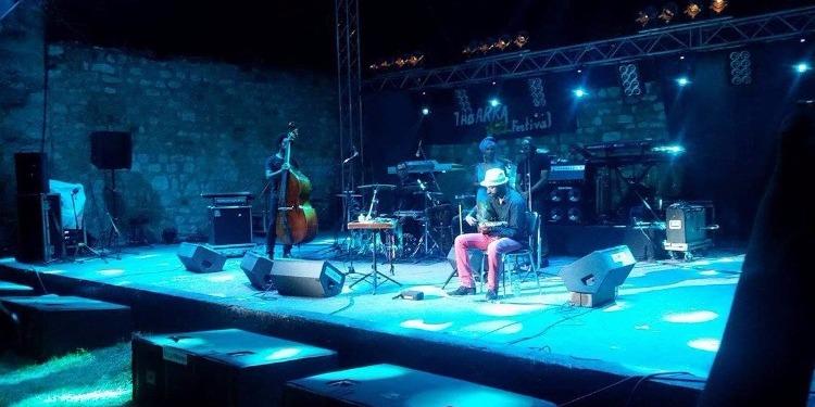 طبرقة: مزيج بين الجاز والفلكلور المغربي الصحراوي في ثاني عروض مهرجان الجاز (فيديو)