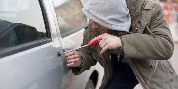 المنستير : القبض على منحرف قام بسرقة سيارة