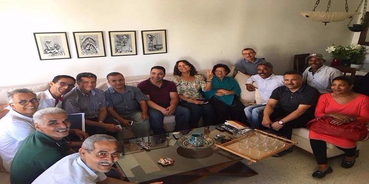 وفد من نواب الجبهة الشعبية يزور راضية النصراوي (صور)