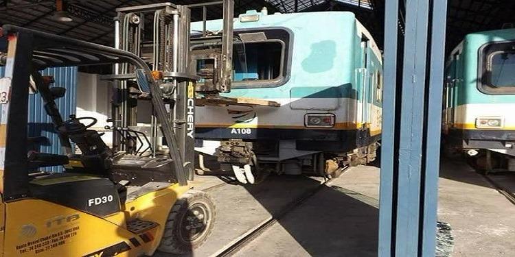 الاعتداء على قطار الضاحية الشمالية بالحجارة (صور)